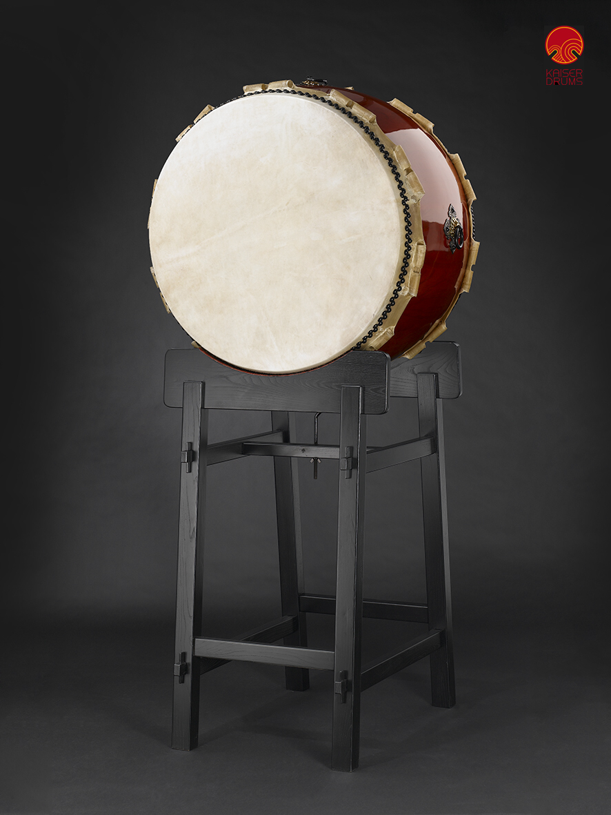 Hira-Daiko high-quality Ø90cm (2900€) with traditional stand (650€)