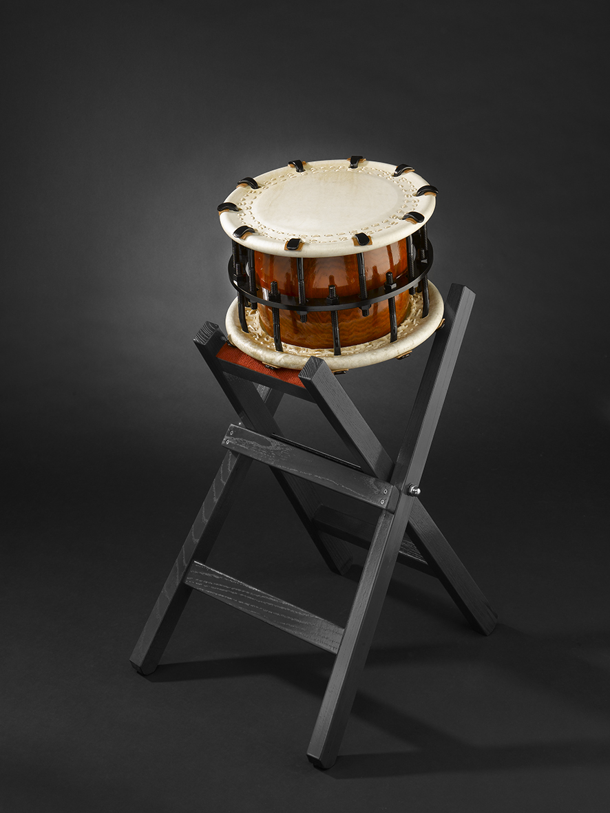 Shime-Daiko bolt (595€) with X-woodenstand (150€)